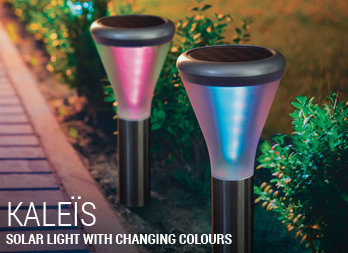 Solar light with changing colours