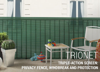 Triple-action screen: privacy fence, windbreak and protection